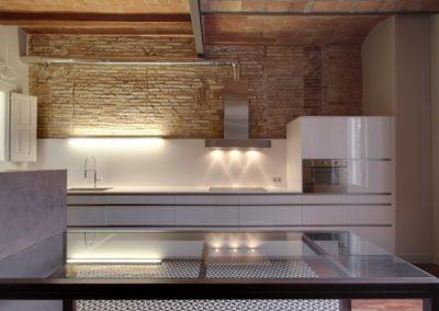Cocina mobiliario, pared de ladrillo