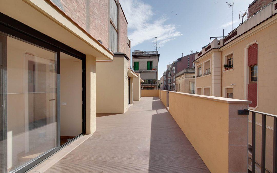 Construcción de 3 viviendas unifamiliares en Gracia