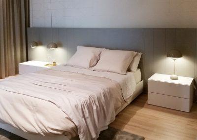 Dormitori amb parquet reformat