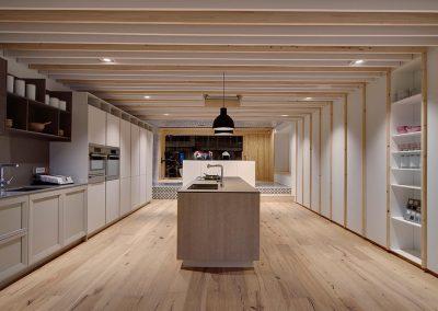 Empresa con exposicion de cocinas