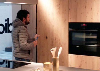 Mobiliari de cuina color fusta