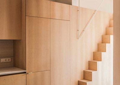 Mobiliari amb fusta d'auró
