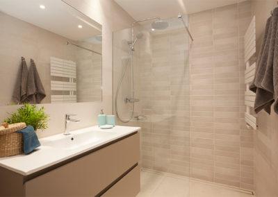 Mobiliario del baño de la casa Dica
