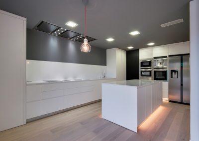 Reforma cocina con materiales de alta calidad