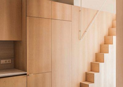 Mobiliario en madera de arce